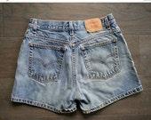 20% off Sale// Vintage LEVIS Denim Light Wash Shorts 32 Waist (M)