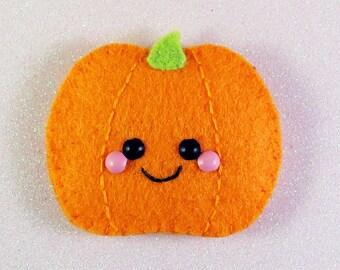 Happy Pumpkin Felt Brooch / Hair Clip, cute felt accessory, kawaii halloween, cute pumpkin clip, kawaii pumpkin brooch, spooky cute