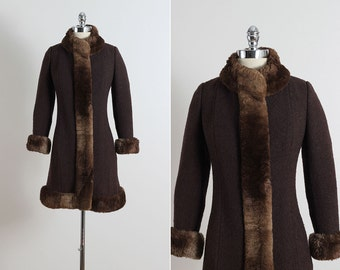Snow Day . vintage 1960s coat . vintage wool coat . 5448