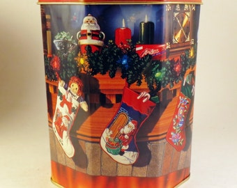 1995 Andes Mint Christmas Tin Can Decorated Stocking Fireplace Decorations Advertising