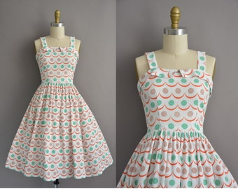 40s waffle cotton scallop print full skirt vintage dress / vintage 1950s dress