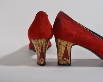 Vintage 1970s Red Suede Shoes - High Heel Fashions - Size 7 6 Narrow