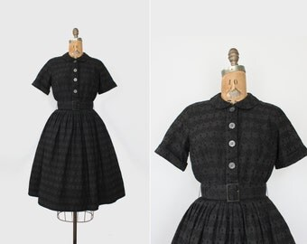 vintage 50s dress medium - 1950s cotton dress - black eyelet lace - shirtwaist dress - tea length - peter pan collar