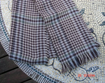 Vintage Banana Republic Long HoundsTooth Scarf - Very Nice