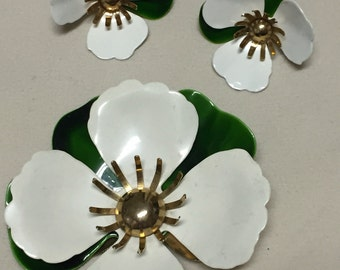 White Dogwood Blossom Brooch and Clip Earring Set Vintage SARAH COVENTRY Enamel