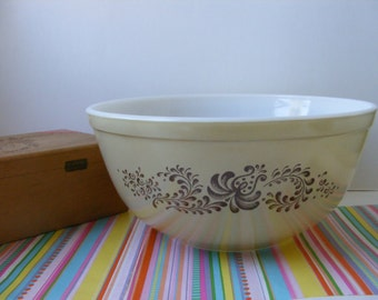 Vintage Pyrex Brown Homestead 403 Nesting Bowl, Pyrex Mixing Bowl, Pyrex Tan Brown Bowl