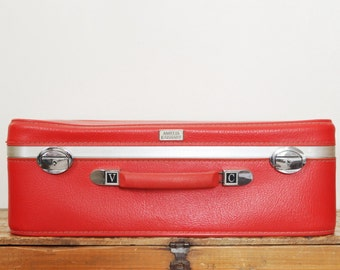 Vintage Red Suitcase Amelia Earhart Tomato Red Luggage 21 Inches