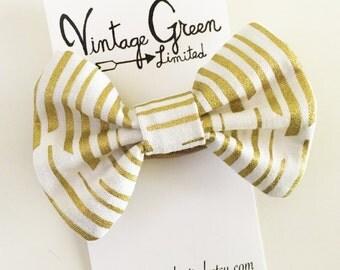 Gold and White Stripe Baby Bow Headband, Headband Bow, Toddler Bow, Photo Shoot, Nylon Head band, Girl's Hair Clip