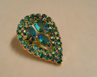 CLEARANCE 60% OFF Caribbean Teardrops - 1950s Turquoise Aurora Borealis Rhinestone Teardrop Brooch