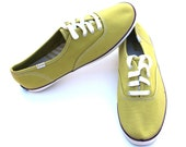 Vintage Keds Pea Green/Cream/Purple Canvas Fabric Lace Up Casual Shoes Sz 8