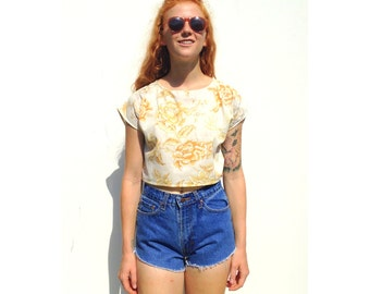 Cream retro floral print cap sleeve crop top UPCYCLED