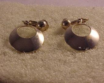 Clip-On Earrings Gold Dangle