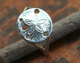 Sterling Silver Sand Dollar Ring size 8.5