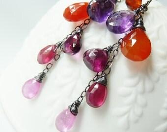 Spicy ombre dangle earrings. Cinnamon Orange Purple Burgundy Red Pink gemstone earrings. Dangle earrings. Wire wrapped oxidized.