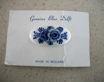 Vintage Delft Blue and White Brooch/Pin