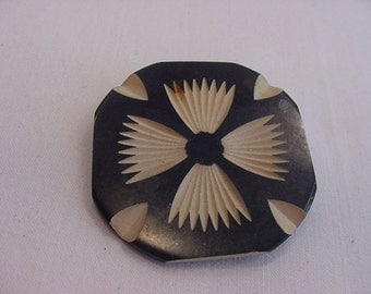 Vintage Black And White Carved Brooch   15 - 60