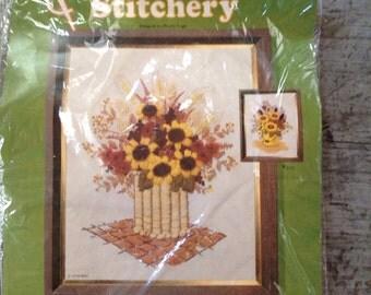 Vintage Kit Bit Quick n Easy Stitchery Needlecraft Kit 515