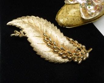 Large Gold Tone Leaf Brooch - Designer Signed Trifari Leaves Pin - Matte Gold Tone - 1970's - 1980's Retro Era - Classic Design
