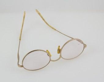 Vintage Eye Glasses, Gold Rims and temples, Sophia Loren Zyloware 057 Decorative thin bows and bridge piece
