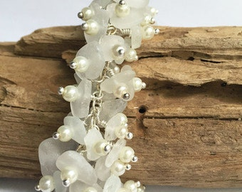 White Pearl and Sea Glass Cluster Bracelet, Sea Glass Jewelry, Sea Glass Bracelet, Bridal Jewelry, Wedding Jewelry
