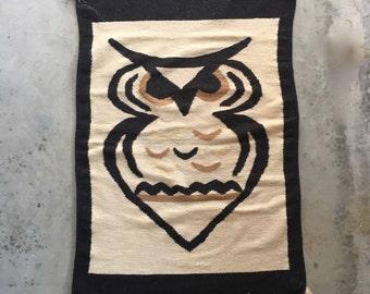 big owl wall hanging textile woven wool 70s vintage fabric wall fiber art rug decor decoration