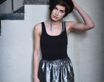 Silver Tulip Skirt - Mini skirt and maxi back, 80ies disco Shimmering sharkskin black silver party skirt