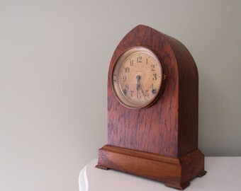 """antique clock / early 1900s Seth Thomas Beehive Clock wooden Gothic Case #89 movement 13.5"""" tall"""