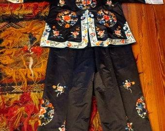 Gorgeous 30s/40s Silk Embroidered Japanese Pajama Set, Larger Size