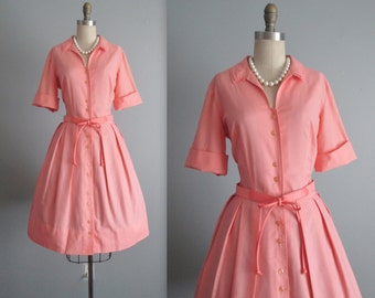 60's Shirtwaist Dress // Vintage 1960's Peach Cotton Full Pleated Garden Party Picnic Shirtwaist Dress L