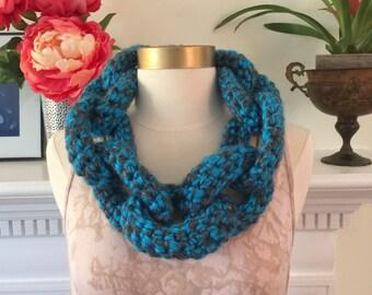 Link scarf