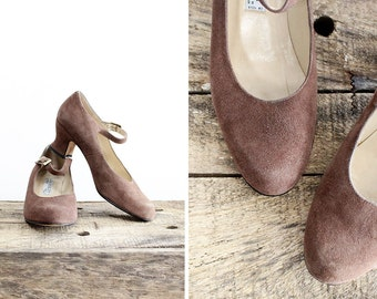 Suede Mary Jane Heels 7 1/2 EU 38 • Laura Ashely Shoes • Round Toe Mary Jane Shoes 7 | SH208