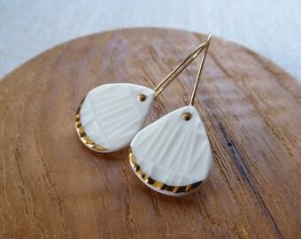 Ami Weave Raindrop Hook Earrings