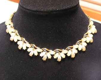 Vintage pearl white lucite leaves gold tone vine necklace