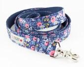 Les Fleurs Rosa Flora Navy Dog Leash - Rifle Paper Co.