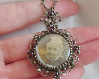 Reserved for S-Antique VICTORIAN / Austro Hungarian/ Garnet / Photo Locket / PENDANT