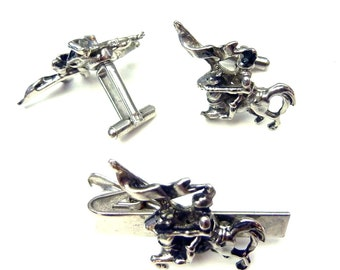 Vintage Knight on a Horse with Flag Cufflinks and Tie Bar Clip Set -Silver Tone- Knight in Shining Armor Cuff Links