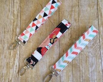 Wristlet Keychain / Fabric Keyfob / Wrist Key Fob with swivel clasp -  triangles - chevron fabric  - aqua gold coral