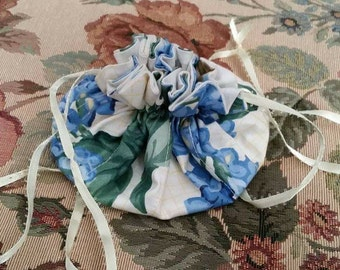 Vintage Jewelry Pouch Draw String 1980s Floral Pattern White Green and Blue