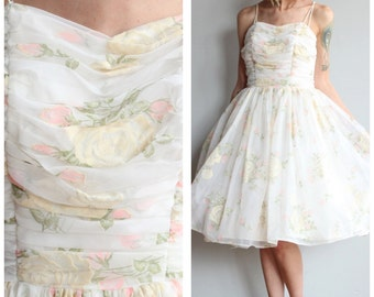 1960s Dress // Sweet Sixteen Party Dress // vintage 60s Floral party dress