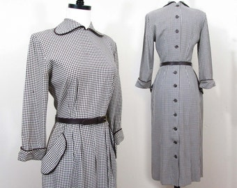 Brown & white gingham dress - 1940s slim styling, brown trim, back buttons - S-M