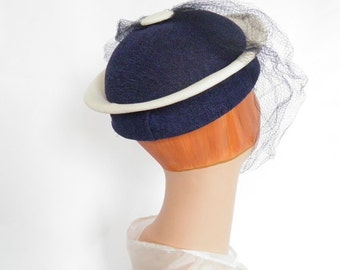 1950s vintage hat, navy blue and white, spaceage