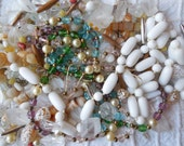 100s of Vintage Glass Beads from Broken Necklaces Mixed Lot