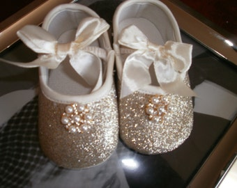 Baby Crib Shoes, Gold Baby Shoes, Christening Shoes, Fancy Shoes, Baptism Shoes, Gift, Elegant
