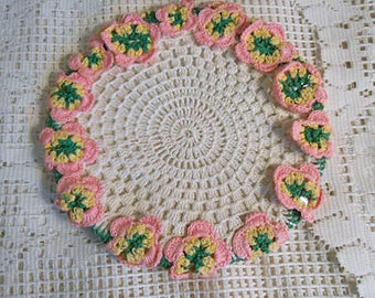 PINK PANSY Trivet HOTPAD Raised Textured Pansies Yellow Green & White Lattice Center, Table Protector Insert, Wall Decor 1940s Handmade