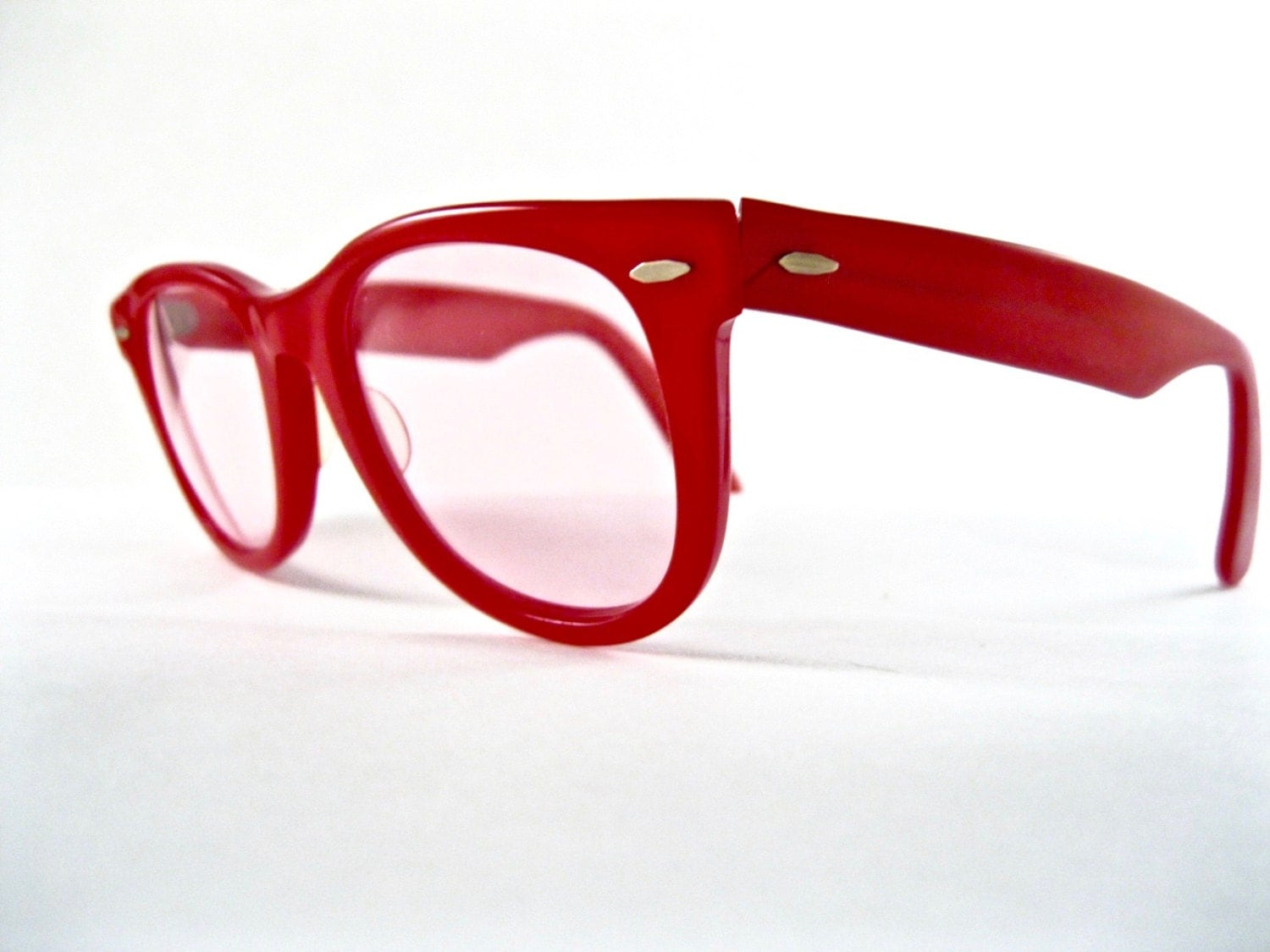 Ray-Ban Wayfarer 1st generation in red. RARE color 1950s vintage ...
