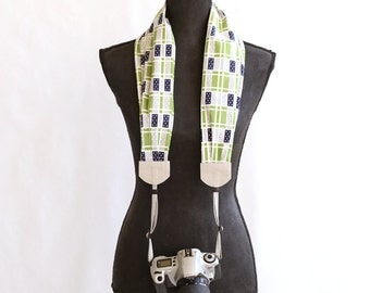 scarf camera strap dots and blocks - BCSCS013