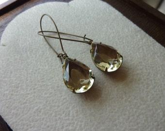 40% OFF SALE! - Vintage Jewel Jonquil Pear Glass Earrings