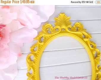 Ornate Baroque Frame / Hollywood Regency / Bright Gloss Yellow / Oval Frame / Paris Apartment / Wedding Frame / Photo Prop
