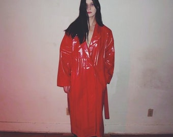 90s Red vinyl trench coat by brass plum size L