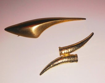 Gold vintage brooched/ Set of 2 gold brooches